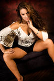 Mulher marrom longa 'sexy' da forma do cabelo Imagem de Stock Royalty Free