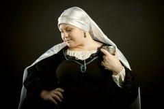 Mulher medieval com cálice Imagens de Stock