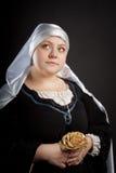 Mulher medieval com flor Fotos de Stock Royalty Free