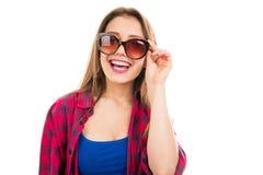 Mulher moderna na moda nos óculos de sol imagens de stock royalty free