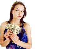 Mulher moderna real moreno consideravelmente nova com o dinheiro do dinheiro isolado fotos de stock royalty free