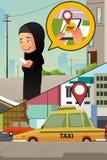 Mulher muçulmana que chama o táxi de seu telefone celular Imagens de Stock