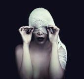 Mulher na atadura Fotografia de Stock Royalty Free