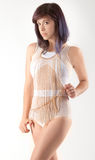 Mulher na corrente branca do corpo do Bodysuit e da cruz Imagens de Stock Royalty Free