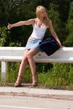 Mulher na estrada. Foto de Stock Royalty Free