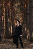 Mulher na floresta Fotos de Stock