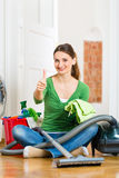 Mulher na limpeza da primavera Imagens de Stock Royalty Free