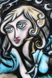 Mulher na parede Imagem de Stock Royalty Free