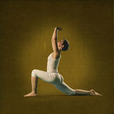 Mulher na posição da ioga Anjana Foto de Stock