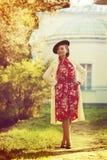 Mulher na roupa do vintage Imagem de Stock Royalty Free