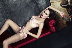 Mulher na roupa interior   Imagem de Stock Royalty Free