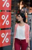 Mulher na venda imagens de stock
