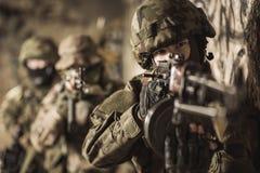 Mulher nas forças armadas Fotografia de Stock Royalty Free