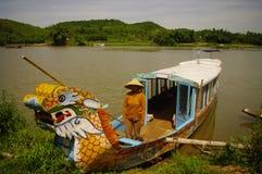 Mulher no barco Foto de Stock Royalty Free
