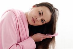 Mulher no bathrobe fotos de stock