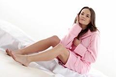 Mulher no bathrobe imagem de stock