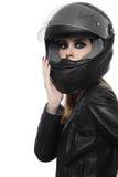 Mulher no capacete do motociclista imagem de stock