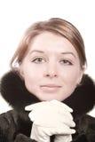 Mulher no casaco de pele preto Imagens de Stock Royalty Free