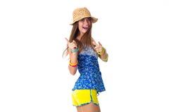 Mulher no chapéu que aponta com seus dedos Foto de Stock Royalty Free
