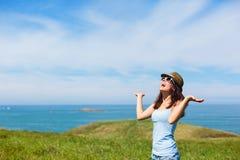 Mulher no curso das férias que tem o divertimento Fotografia de Stock