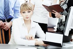 Mulher no escritório Foto de Stock Royalty Free