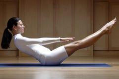 Mulher no exercício branco Foto de Stock Royalty Free