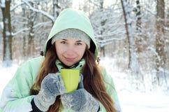Mulher no inverno fotografia de stock royalty free
