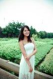 Mulher no jardim Imagem de Stock