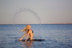 Mulher no mar Imagens de Stock Royalty Free
