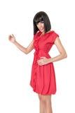 Mulher no mini vestido vermelho foto de stock