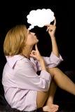 Mulher no pensamento Fotos de Stock Royalty Free