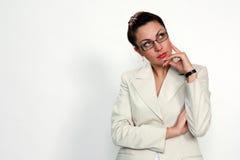 mulher no pose de pensamento Imagens de Stock Royalty Free