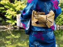 Mulher no quimono japonês imagens de stock