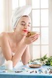 Mulher no salão de beleza dos termas Fotografia de Stock Royalty Free