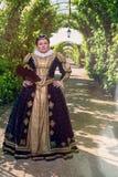 Mulher no similitude do Marguerite de Navarra, rainha de França Fotos de Stock