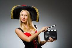 Mulher no traje do pirata Imagem de Stock Royalty Free