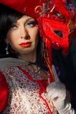 Mulher no traje medieval colorido Imagem de Stock
