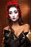 Mulher no traje oriental tradicional Fotografia de Stock Royalty Free