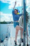 Mulher no veleiro Imagens de Stock