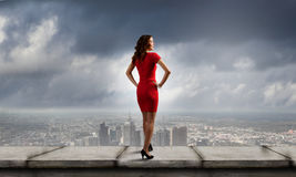 Mulher no vermelho Imagens de Stock