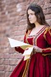 Mulher no vestido do renascimento imagens de stock royalty free