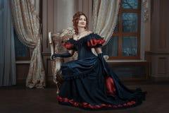 Mulher no vestido do Victorian Imagem de Stock