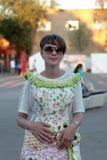 Mulher no vestido floral Foto de Stock Royalty Free