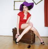 Mulher no vestido vermelho Fotografia de Stock