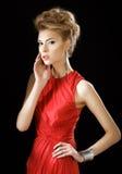 Mulher no vestido vermelho imagem de stock
