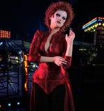 Mulher no vestido vermelho 3D de veludo, CG Imagens de Stock