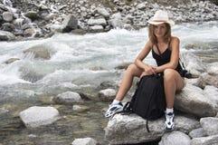 Mulher nos mauntains Fotografia de Stock Royalty Free