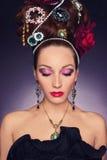 Mulher nova bonita com jóia Fotografia de Stock Royalty Free