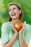 Mulher nova bonita de sorriso Imagens de Stock