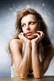 Mulher nova bonita do retrato no estúdio Imagem de Stock